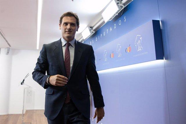 Rivera diu que Ciudadanos no signarà l'acord perquè Vox entri al Govern de Madrid i solament pactarà amb el PP