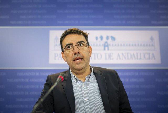 Rueda de prensa del portavoz del Grupo Parlamentario Socialista, Mario Jiménez