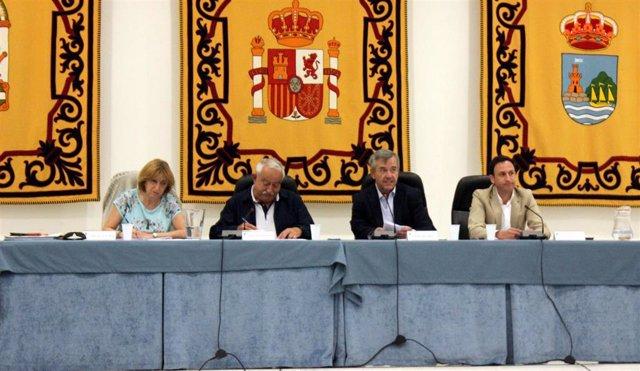 """Málaga.- El Pleno de Estepona informa de la reducción del 60% de la """"deuda heredada"""", que se sitúa en 123 millones"""