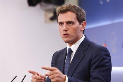 """Rivera cree que Villacís """"sería una gran alcaldesa"""" y recuerda a Casado los """"miles de votos"""" que perdió el PP en Madrid"""