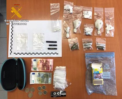 Detenido un joven de 19 años e incautadas 235 dosis de diferentes estupefacientes en Caudete