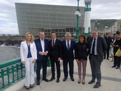 Casado pide al Gobierno que se oponga a que Junqueras y Puigdemont se acrediten como europarlamentarios