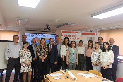 Cruz Roja Valladolid celebra una mesa de diálogo con empresas del comercio para promover la inserción laboral