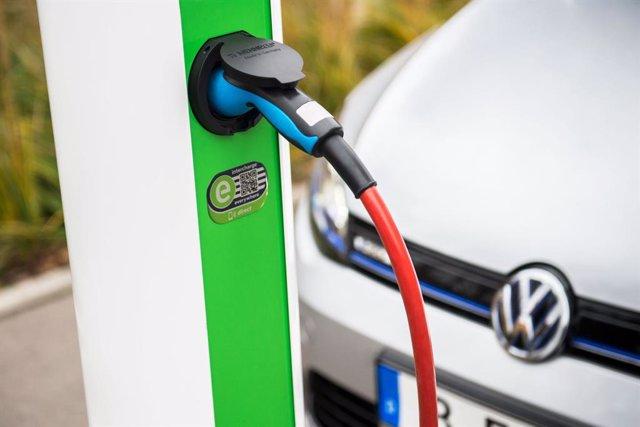 Volkswagen y la sueca Northvolt crean un consorcio para acelerar el desarrollo de baterías en Europa