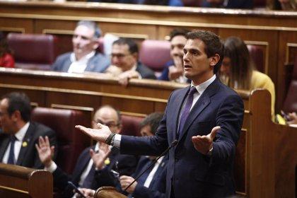 """Rivera cree que la portavoz del Govern es un ejemplo de """"la impunidad del nacionalismo"""" al """"imponer"""" el catalán"""