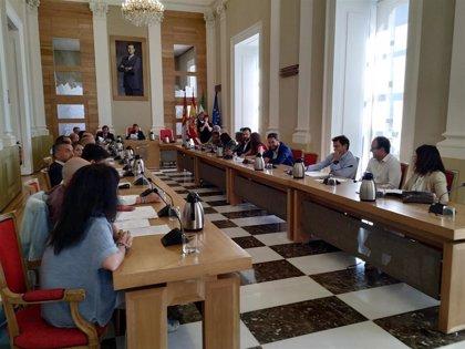 El Ayuntamiento de Cáceres celebra su último pleno del que se despiden once concejales