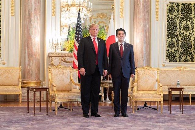 Abe hosts Trump