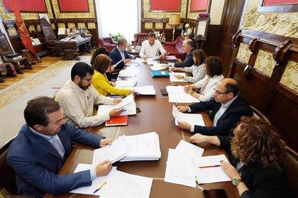 """PSOE y VTLP intercambian """"impresiones"""" en una primera conversación tras la ruptura"""
