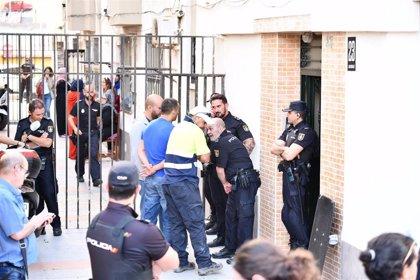 Un guardia civil dispara repetidamente en las piernas a su esposa antes de quitarse la vida en Ceuta