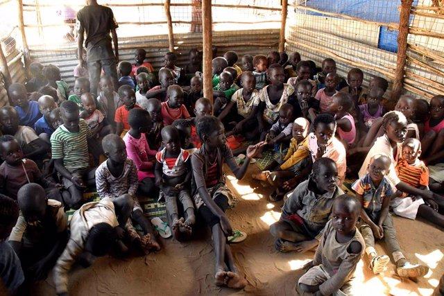 Escuela de desplazados internos en Sudán del Sur