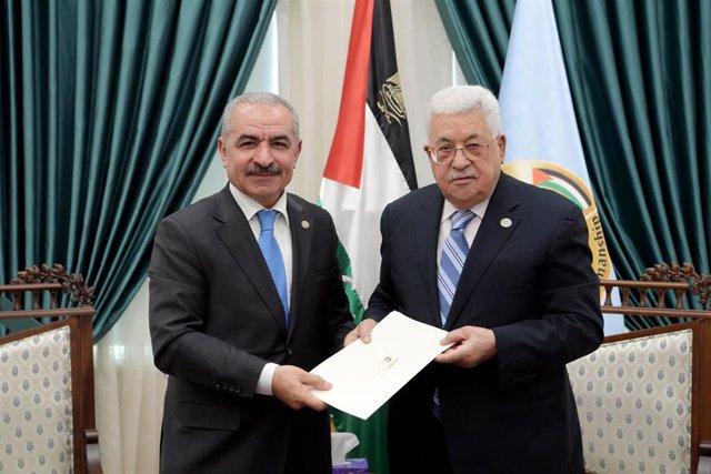 O.Próximo.- El nuevo Gobierno de la Autoridad Palestina jura sus cargos ante Abbas
