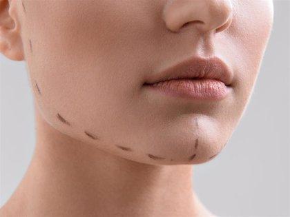 Remodélate el contorno facial con Juvéderm Volux
