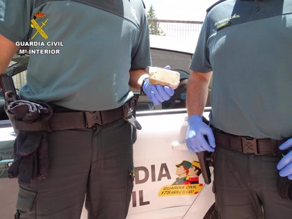 Detenido en La Riba de Saelices cuando portaba en un vehículo 88 gramos de hachís