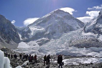 Nepal crea un comité de expertos para investigar las recientes muertes en el Everest