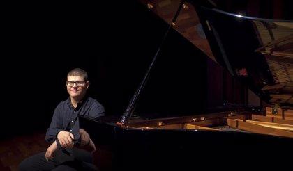El pianista Alberto Pérez ofrece un concierto este sábado en el IX Festival Joven en San Vicente de Alcántara