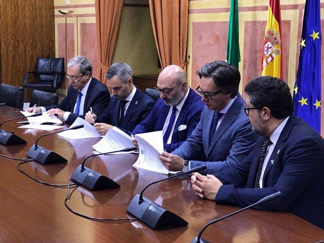 Firma del acuerdo presupuestario andaluz entre PP, Ciudadanos y Vox