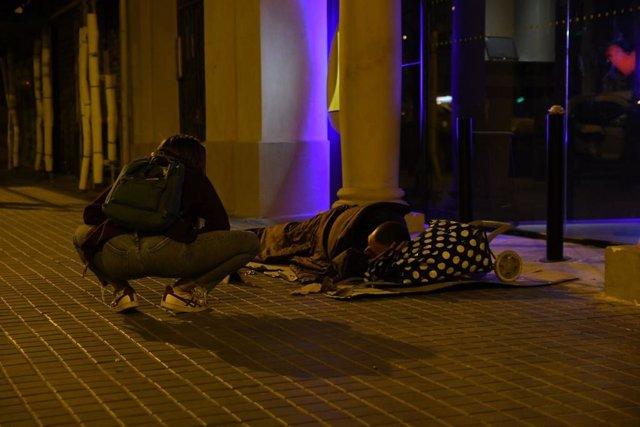 Arrels localitza 1.195 'sense sostre' als carrers de Barcelona, un 25% més