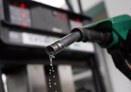 El precio del gasóleo se abarata un 2,24% y el de la gasolina un 1,77% en la semana