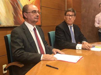 """PSOE y PAR firman las bases programáticas de Gobierno con """"el compromiso"""" de Ábalos de impulsar una agenda aragonesa"""
