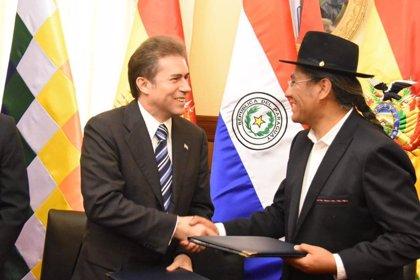 """Bolivia y Paraguay firman 22 acuerdos para iniciar un proyecto de """"integración"""" en materia de cooperación y comercio"""