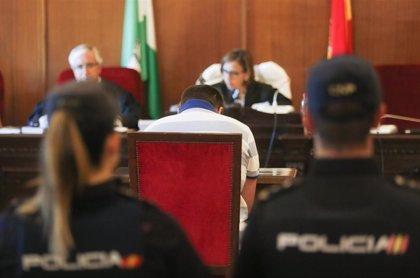 """Acusado de matar a su madre y su hermana en Arahal (Sevilla) pide perdón """"si verdaderamente"""" ha sido él"""