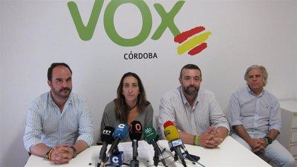 """Vox se abstendrá para que Bellido (PP) sea alcalde de Córdoba, pero avisa que """"todo tiene un límite"""""""