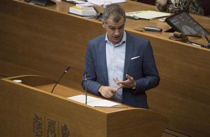 """Cantó reprocha el pacto con """"nacionalistas y populistas"""" y Puig recuerda el """"nacionalismo en vena"""" de Colón"""