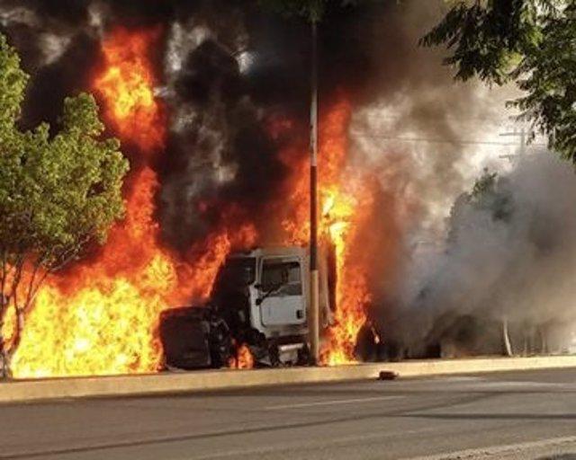 Al menos seis muertos y 20 heridos después de que un camión sin frenos arrollara a varios vehículos en México