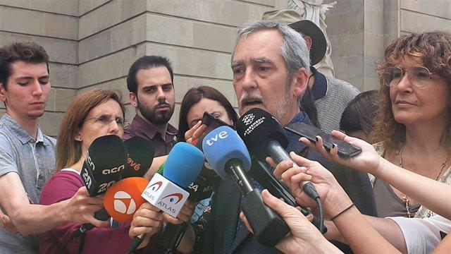 """Corones (ERC) critica Colau i creu que la pregunta de BComú hauria de ser """"Valls sí o Valls no"""""""