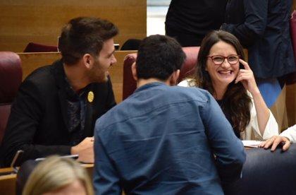 """Oltra promete a Puig """"recorrer juntos"""" el Botànic II con """"rigor, responsabilidad y lealtad"""""""