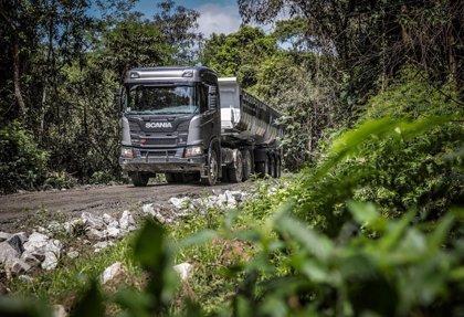La UE adopta la norma que fija el objetivo de reducir un 30% las emisiones de camiones para 2030