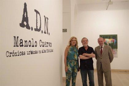 Villalobos y la alcaldesa de Castilleja animan a visitar la muestra de Manolo Cuervo en la Casa de la Provincia