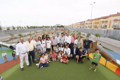 Vícar y Diputación de Almería inauguran el Parque de la Infancia