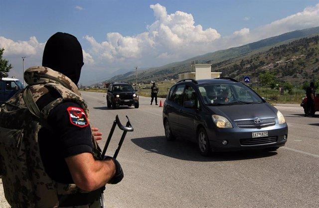 Policía en Albania