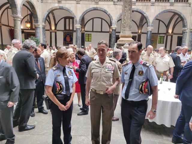 """Av.- L'inspector general de l'Exèrcit desitja """"prudència, professionalitat i encert"""" als Mossos"""