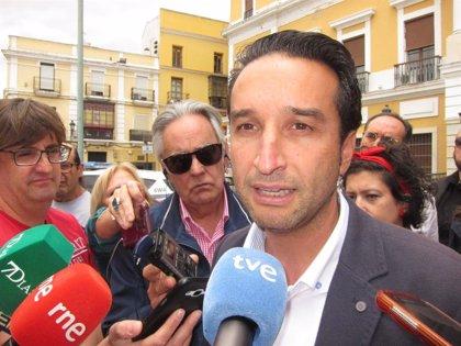 """Ricardo Cabezas advierte que Fragoso está """"dispuesto a hacer alcalde"""" al candidato de Cs """"antes de que entre el PSOE"""""""