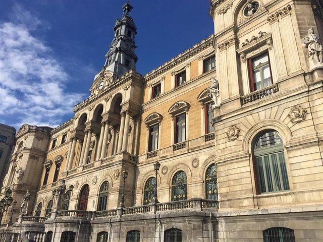 Ayuntamiento de Bilbao se une a 'La hora del planeta', que apaga el sábado las luces ornamentales de algunos edificios