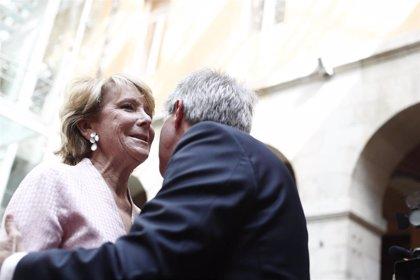 """Aguirre llega a Cibeles """"muy contenta"""" y asegurando que Vox """"no es Marine Le Pen"""""""