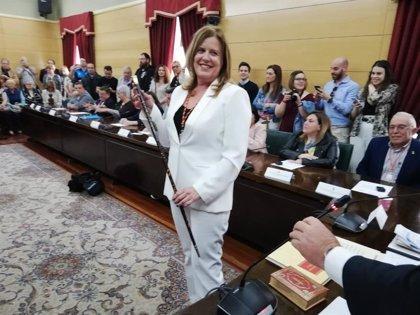 """Carmen Arbesú (PSOE), nueva alcaldesa de Langreo, se compromete a gobernar por una """"ilusión colectiva"""""""