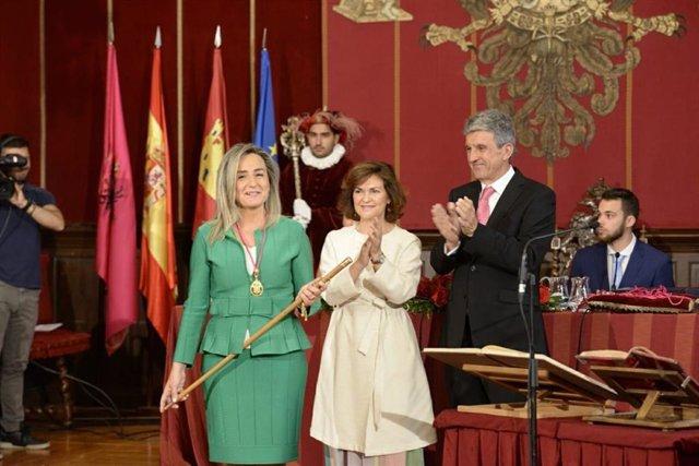 AV.- Milagros Tolón seguirá al frente del Ayuntamiento de Toledo tras ser investida con los 12 votos de ediles del PSOE