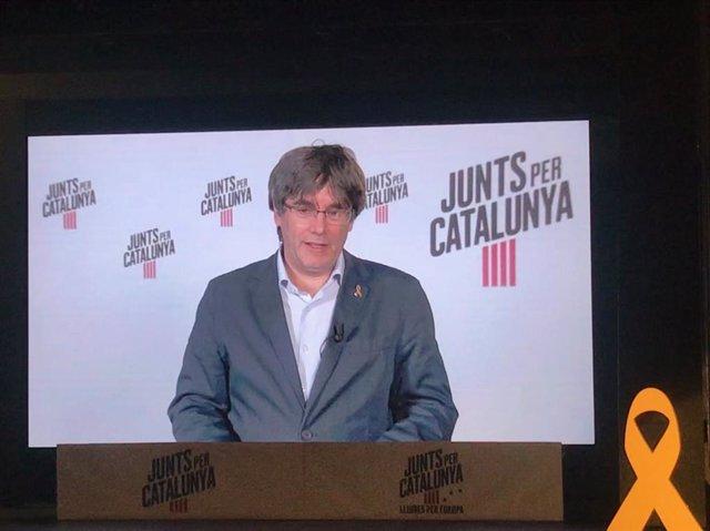 """26M.- Puigdemont pide """"no dejar solos a los que están en la prisión y el exilio"""" con un gran resultado"""