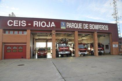 Bomberos del CEIS Rioja sofocan el incendio en un merendero de Castañares de Rioja