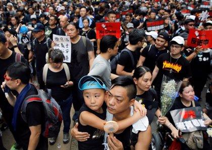 Cientos de miles de personas comienzan la marcha por Hong Kong para exigir la dimisión de su jefa ejecutiva