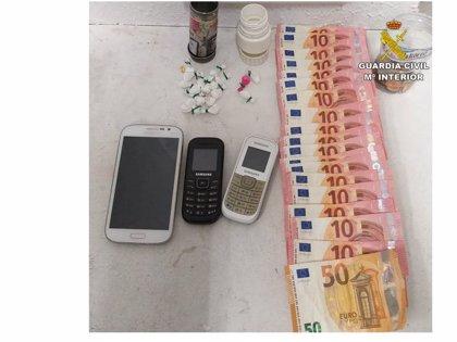 Detenido un jubilado por vender cocaína en una zona de ocio de Guardamar del Segura