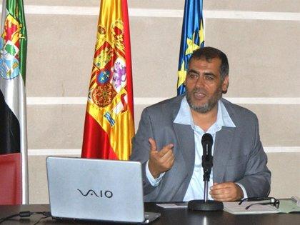 """El imán de Badajoz insta al nuevo ayuntamiento a rechazar """"discursos de quieres desprecian a los demás"""""""