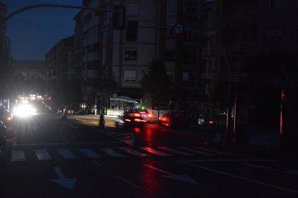 Un apagón generalizado deja sin luz a toda Argentina y Uruguay y partes de Brasil y Chile