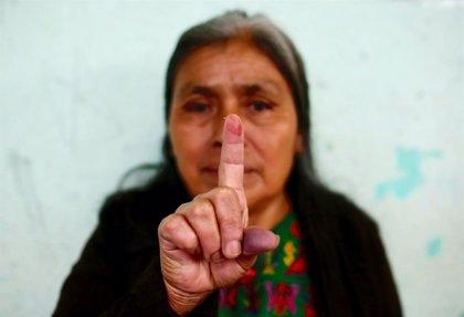 Guatemala abre las urnas en unas presidenciales marcadas por la corrupción y la ausencia de las favoritas