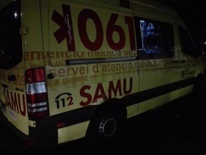Cinco heridos, entre ellos un joven de 18 años grave, tras una colisión frontal en la autopista