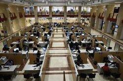 El BOE publica la convocatòria de processos selectius per cobrir 8.102 places en l'AGE (Oscar Cañas - Europa Press)