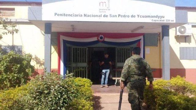 Al menos nueve presos muertos y otros 12 heridos tras un sangrimiento enfrentamiento en una cárcel de Paraguay